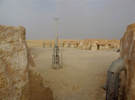 Fascinating Photographs Of Abandoned 'Star Wars' Movie