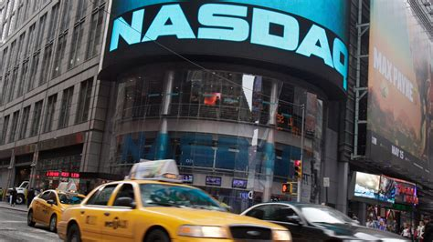 Stampede of Tech Companies Race To Go Public on Cheddar