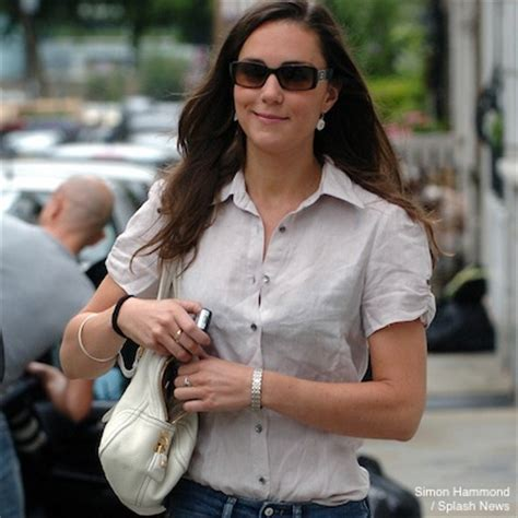 Kate Middleton's bags • Box clutches, tote bags, etc