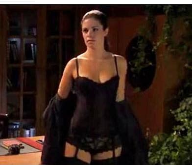 """Shawna Waldron – """"Ice Box"""" From Little Giants Has Grown Up"""