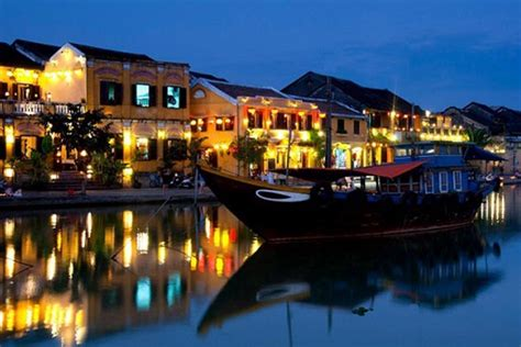 Everything about the Colorful Hoi An Lantern Festival