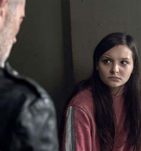 Lydia, Negan steal show with shades of TLOU's Ellie and Joel